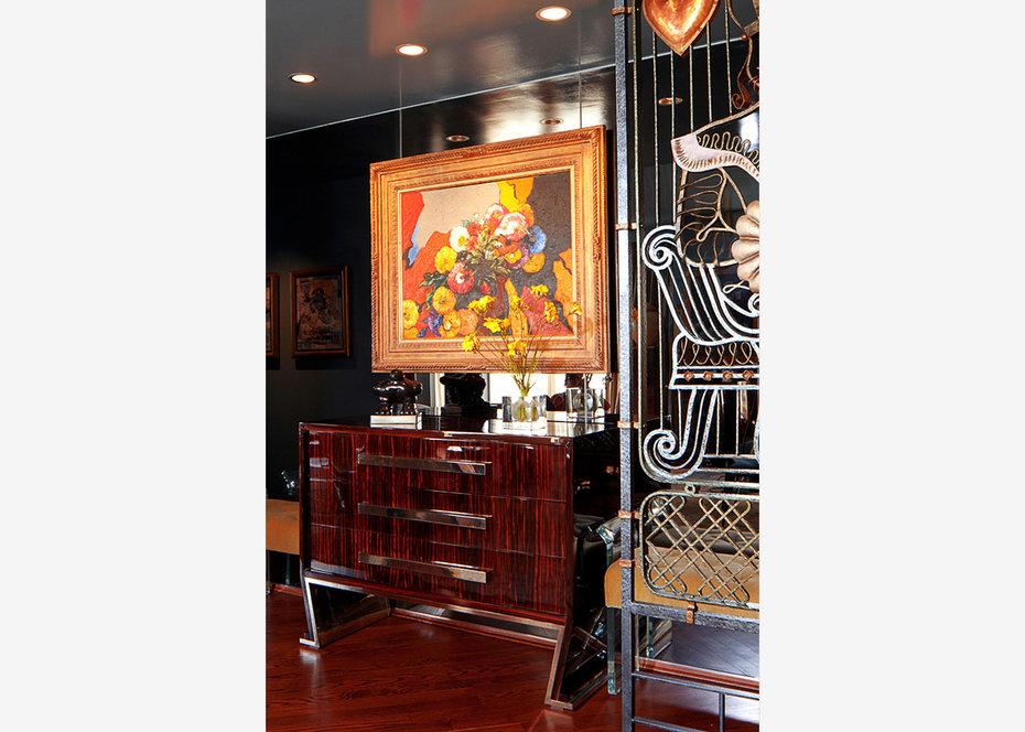 Dining Room, Hispanic Art, Botero, New York, Art Deco, King, Heart